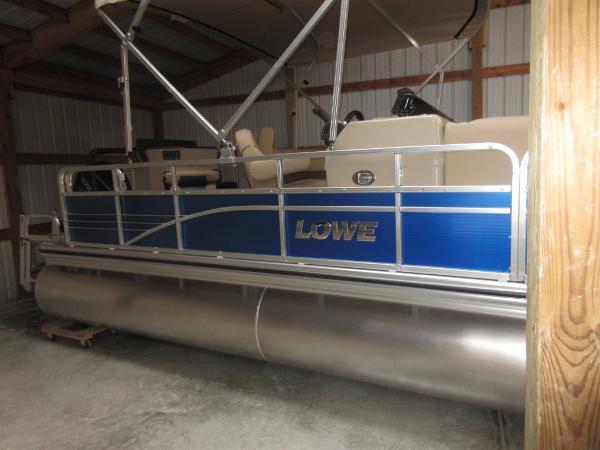 Lowe SF 212