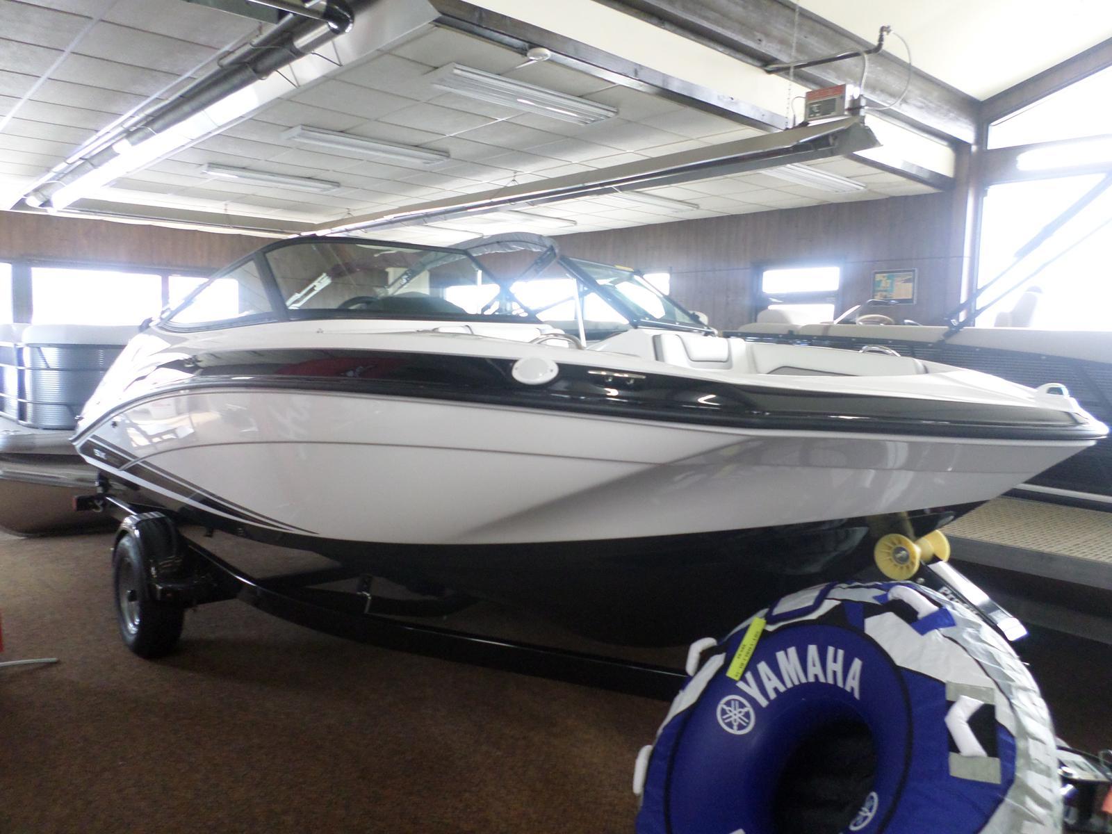 Yamaha jet boats SX190