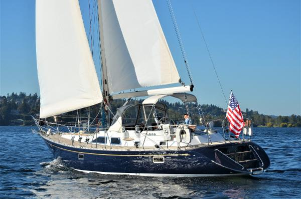 Hylas 49 Under way on Lake Washington