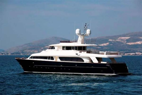 Ferretti Yachts navetta 30 mt