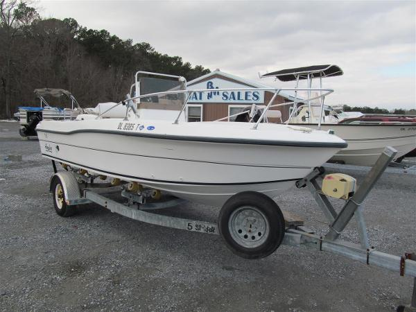 Angler 18 Center Console
