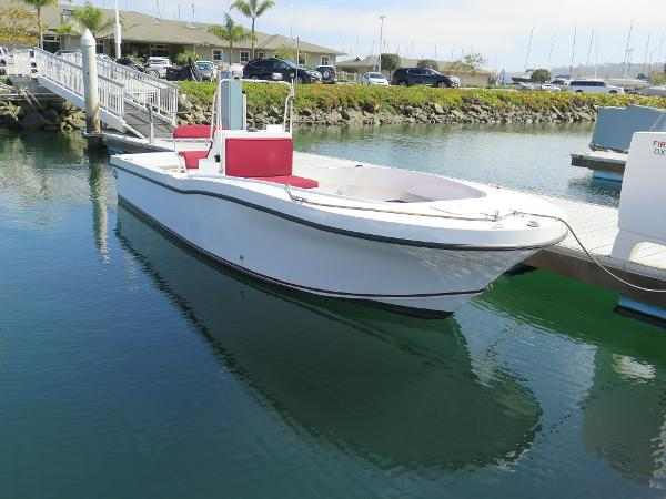 Dusky 27 Center Console