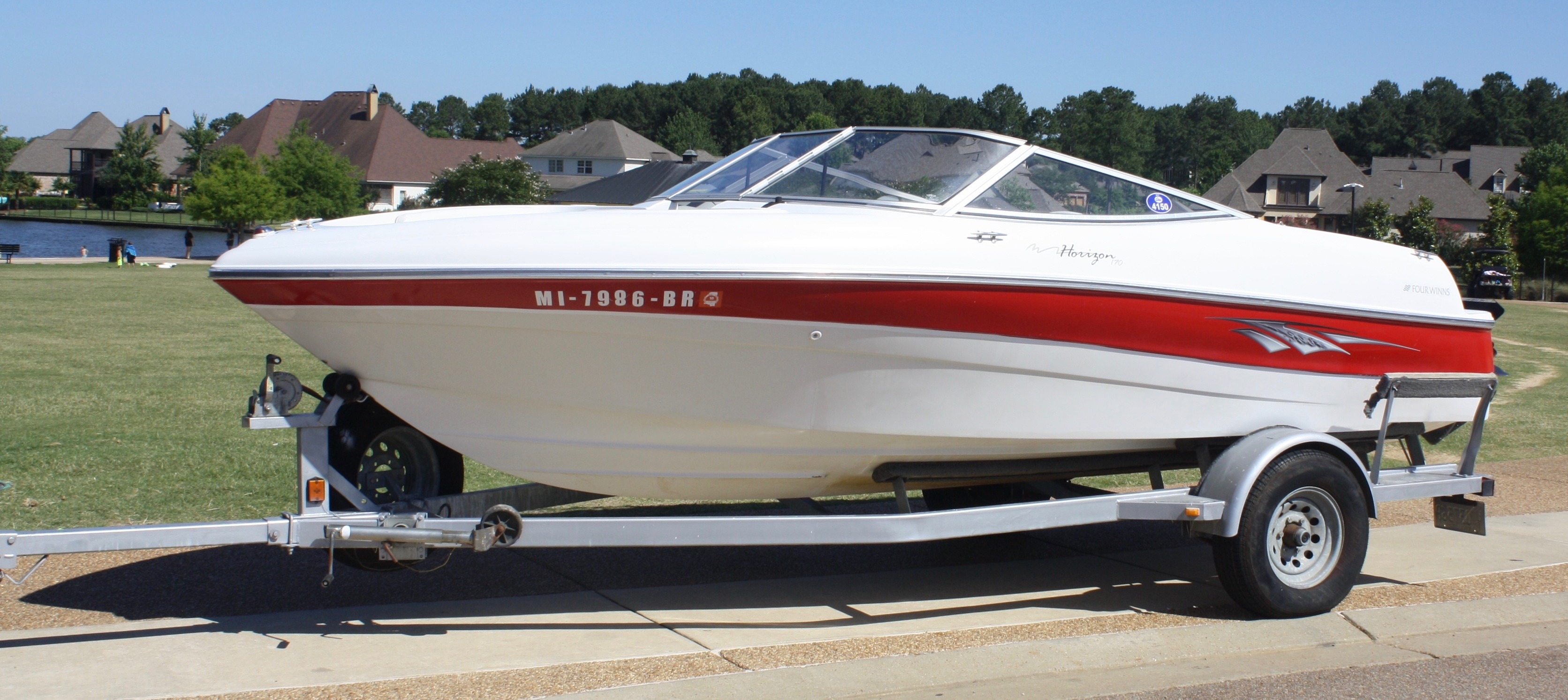 Four Winns Horizon 180 Bowrider