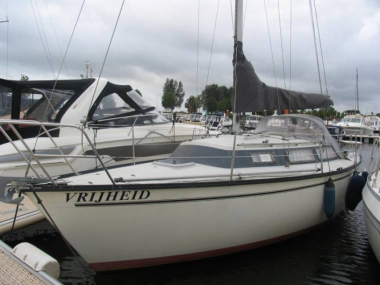 Dufour 2800 CS