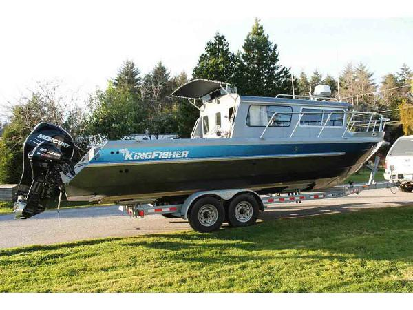 KingFisher 3025 Sport Fishing