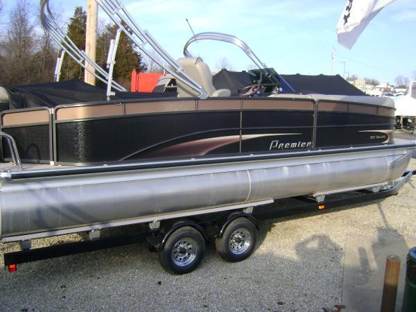 Premier 250 Solaris