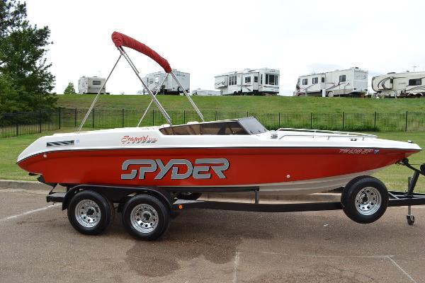 Seaswirl Spyder 188 Bowrider