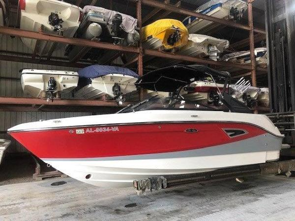 Sea Ray 230 SLX-W