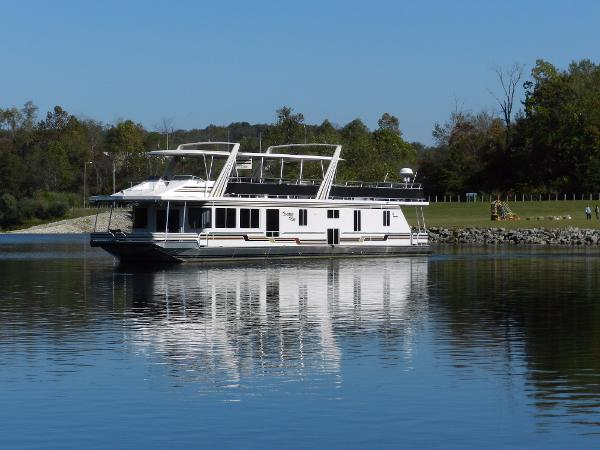 Sunstar 17' x 87' Houseboat