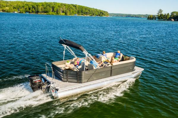 Crest Pontoon Boats I 220 2017 Crest I 220L