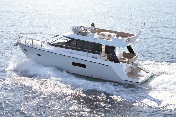 Sealine F450 Motor Yacht Sealine F450 Sister boat