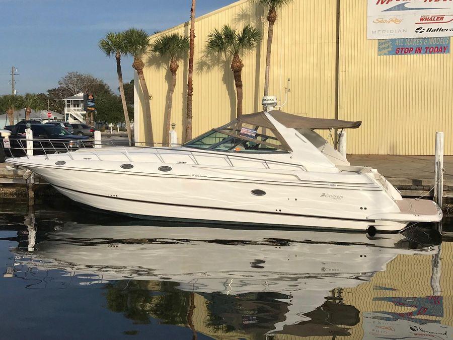 2000 Cruisers Yachts 4270 Express Venice Florida Boats Com