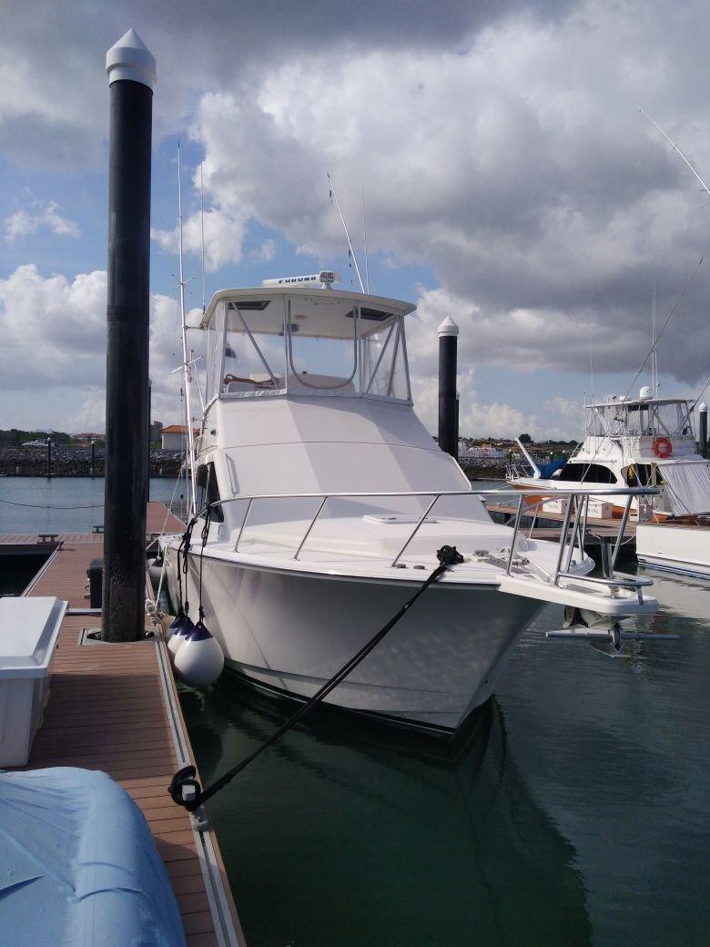 Cabo 35 Flybridge Sportfish
