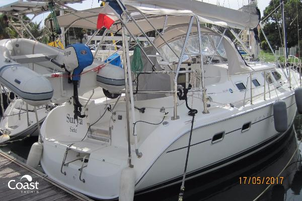 Hunter 41 Deck Salon Hunter 41 Deck Saloon