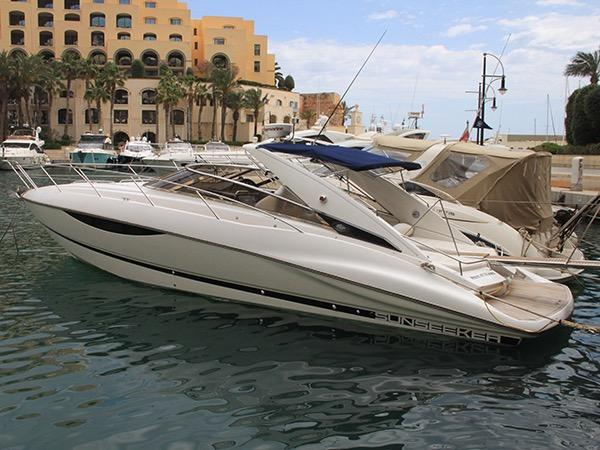 Sunseeker Superhawk 43 HOURS OF IDLENESS
