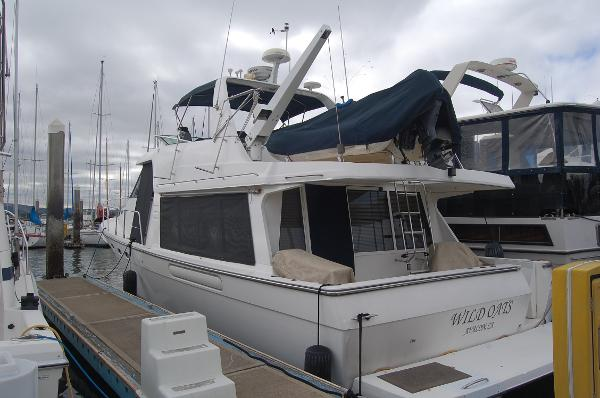 Bayliner 4788 Pilot House Motoryacht Exterior