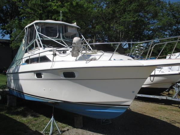 Used cruisers yachts saltwater fishing boats for sale for Offshore fishing boats for sale