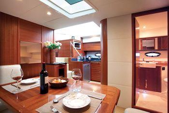Hansheng Yachts Gallop 48 Dining
