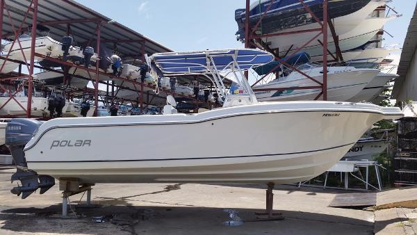 Polar Boats 2700 Center Console Polar 27