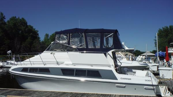 Carver 330 Mariner Profile