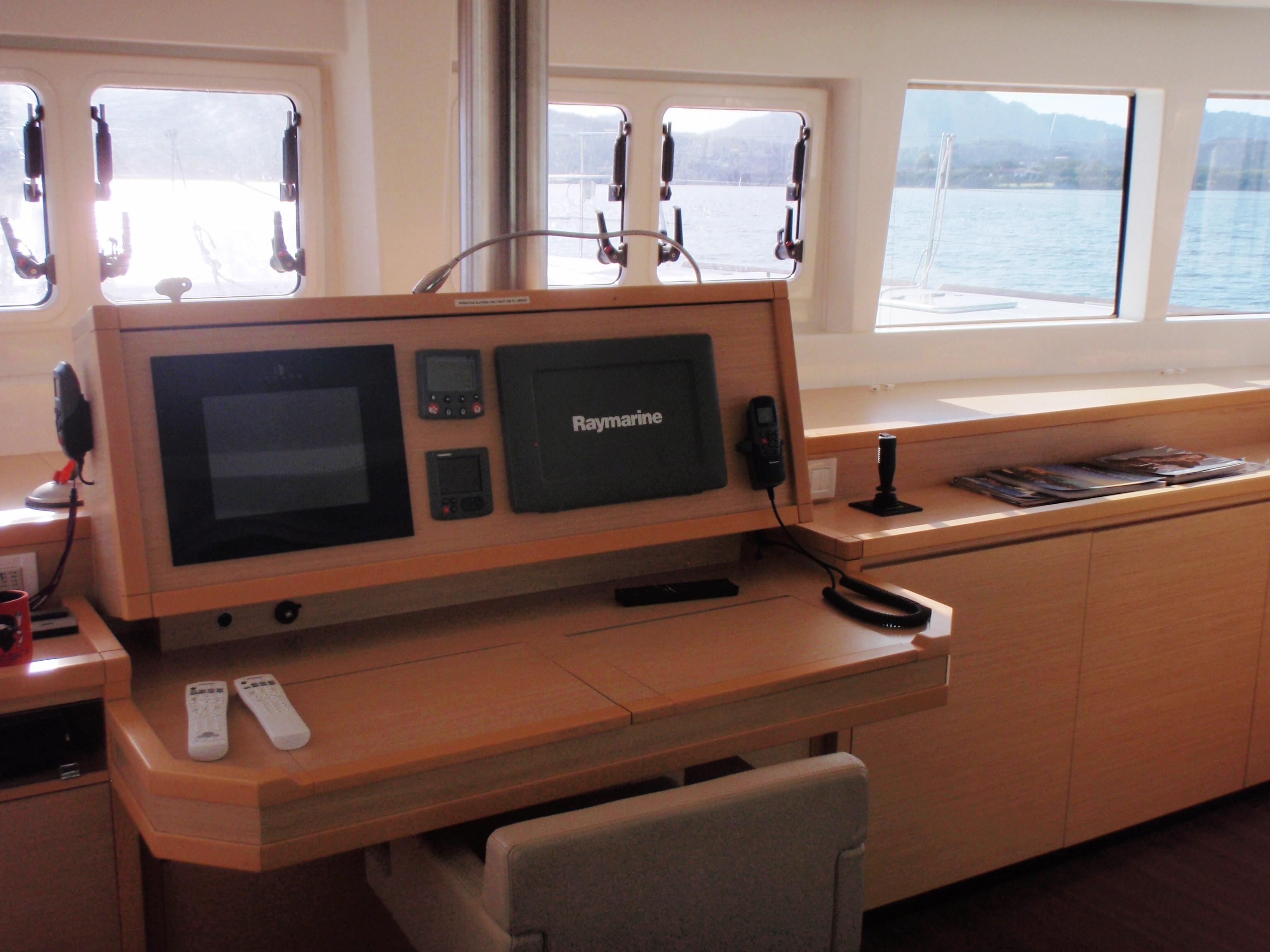 Lagoon 620 Lagoon 620 Navigation station