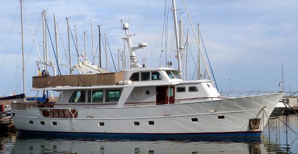 De Vries Lentsch Dutch trawler