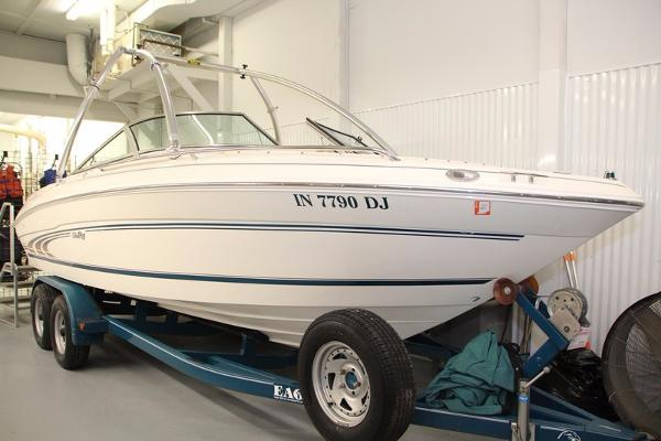 Sea Ray 210 Bow Rider