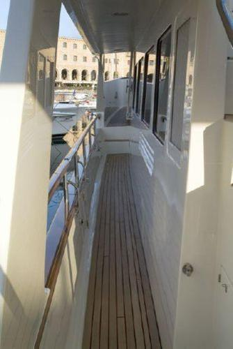Side deck - port