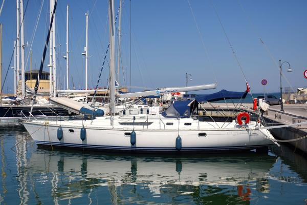 Jeanneau Sun Odyssey 45.1 Jeanneau Sun Odyssey 45.1 - On her berth