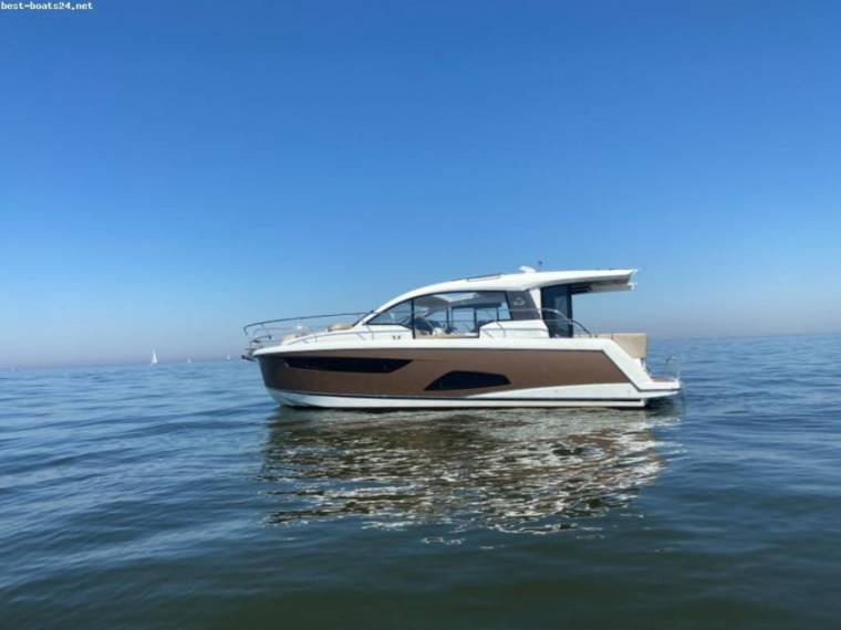 Sealine Gebouwd door HanseYachts AG Sealine C330