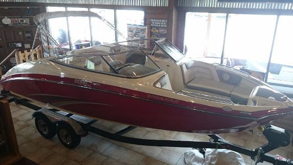 Yamaha Sport Boat SX240