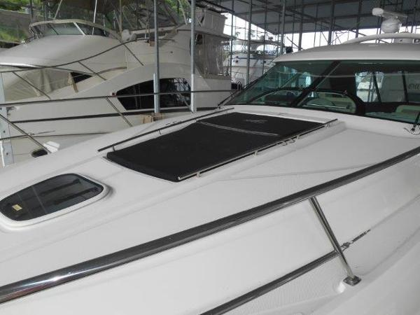 Sea Ray 450 Sundancer Bow Sunpads