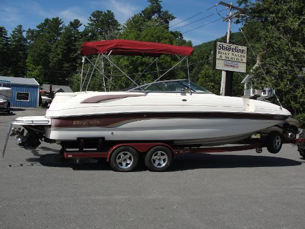 Bryant 236 Deck Boat