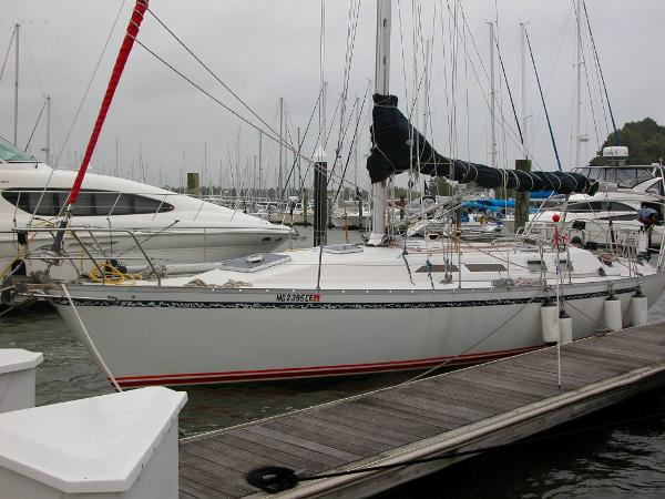 Canadian Sailcraft 40 Port