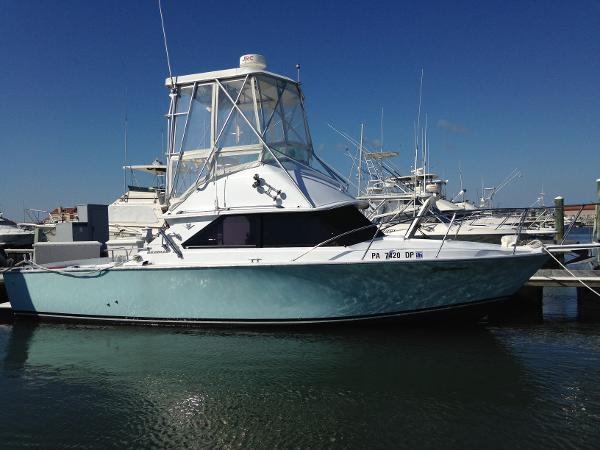 Bertram 28 Sport Fisherman Profile