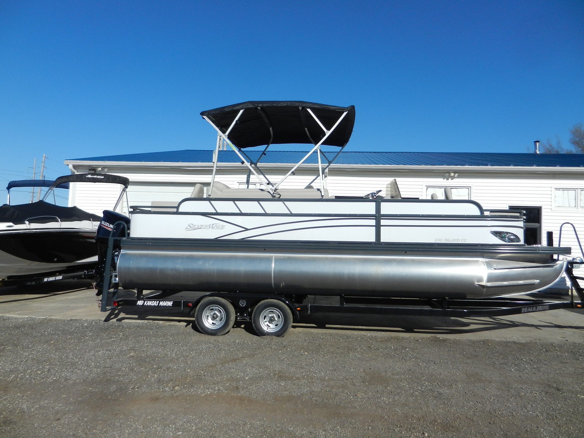 Silver Wave 230 Island CC Tritoon