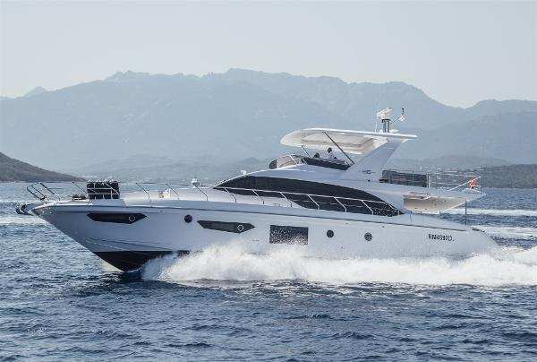 Azimut 66 Flybridge V Marine Azimut 66 Flybridge external view
