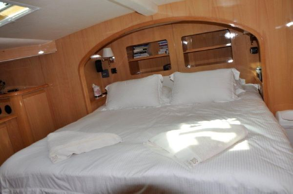 Owner's stateroom (2)
