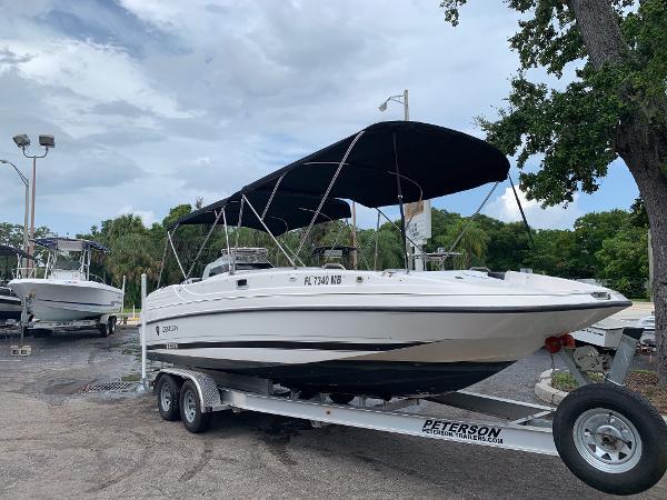 Century 2560 Deck Boat