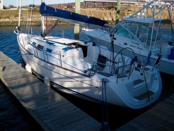 Dufour 40 Performance dockside