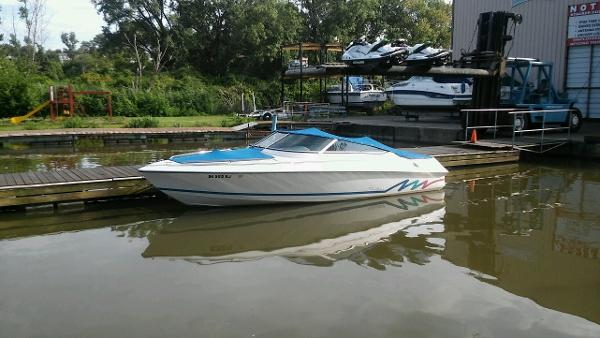 Falcon Boats Bow Rider 2270