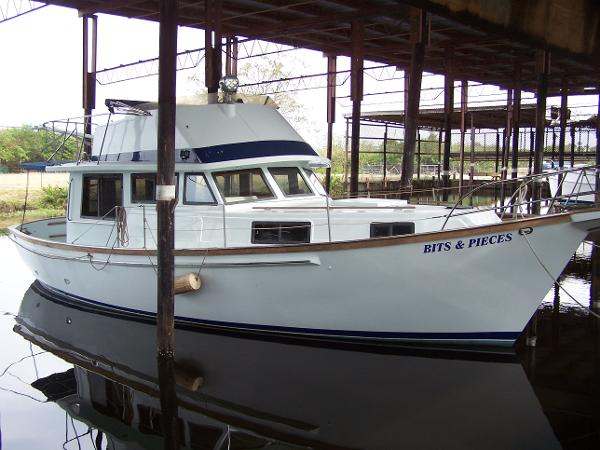 Schucker 38 Sedan Trawler