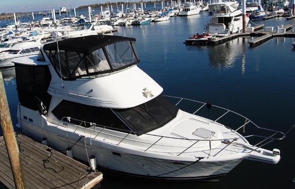 Bayliner 3587 Motoryacht AFT CABIN Twin Diesel