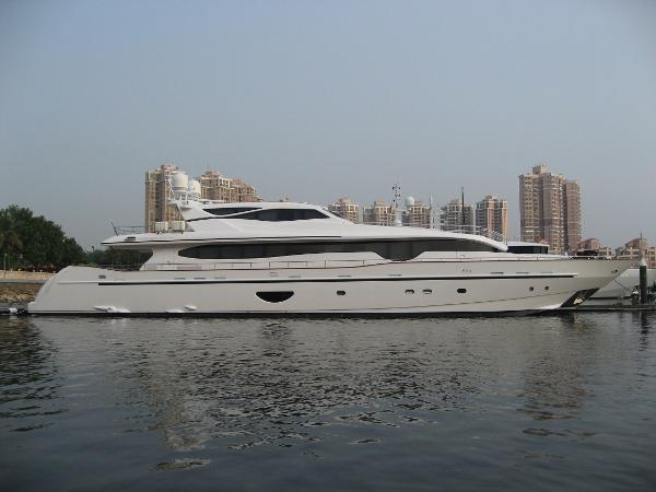 Euro Yacht Planet 125 Hard Top Motor Yacht