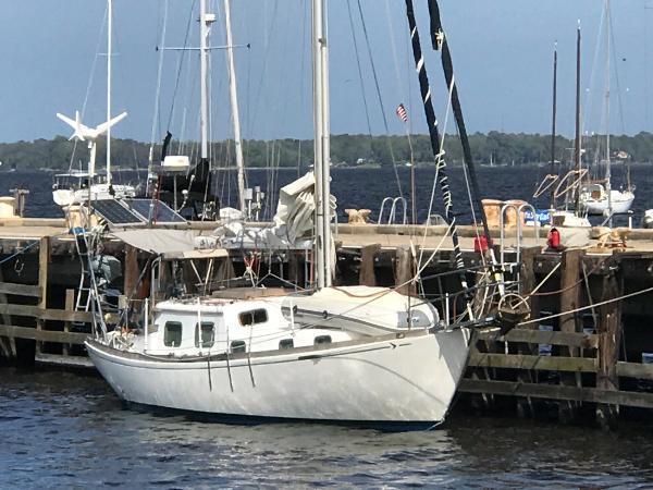 Seafarer 36C Sloop 1971 Seafarer 36C Sloop Edwards Yacht Sales