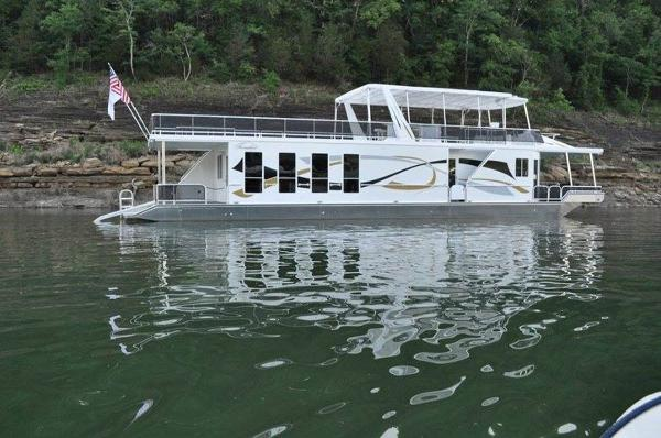 Thoroughbred 17x75 Houseboat