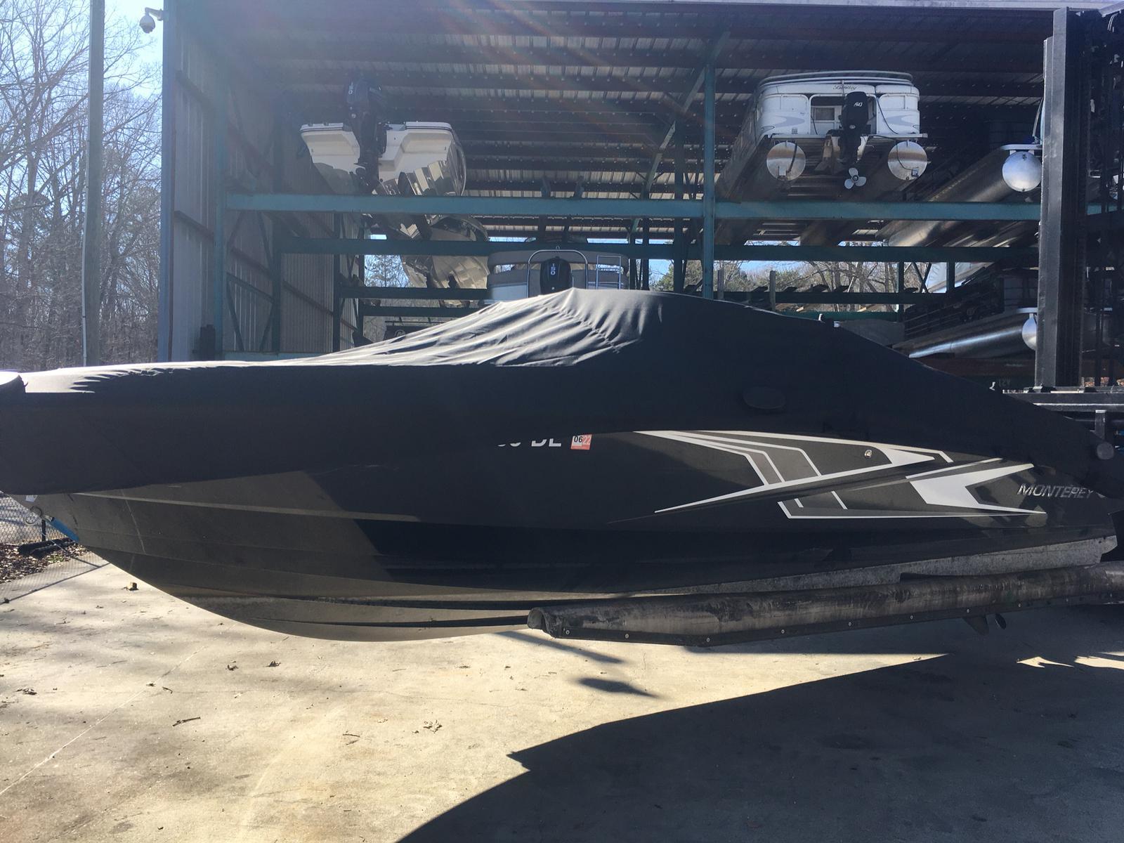 Monterey M22 Bowrider w/ Merc 4.5L 200 1.81 Cat Alpha
