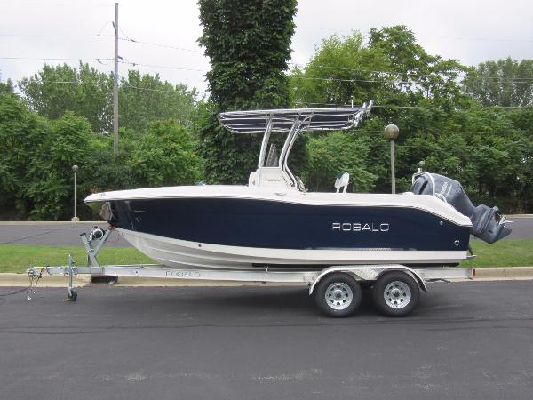 Robalo R202 Explorer IN STOCK - TRAILER INCLUDED