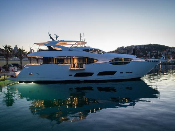 Sunseeker 95 Yacht Sunseeker 95 For Sale