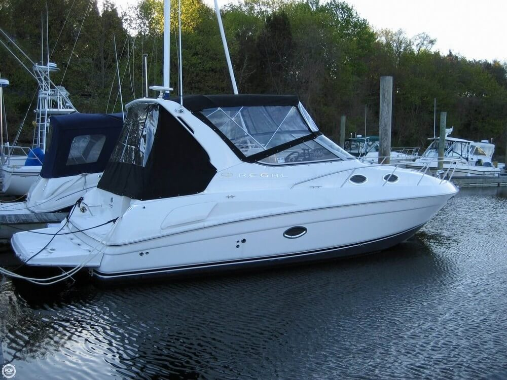 Regal 3060 Commodore 2003 Regal 31 for sale in Charlestown, MA